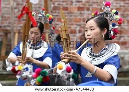 Sapa, Vietnam - Nov 23: Unidentified Girls From The Black H'Mong ...