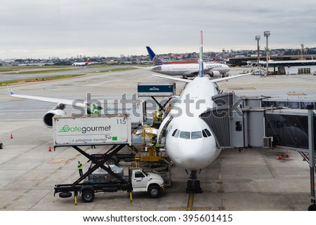 SAO PAULO, BRASIL - JAN 20: South African plane parks at Guarulhos International Airport in Sao Paulo on Jan 20, 2016. GRU is the Brasil's main international airport, located in Sao Paulo