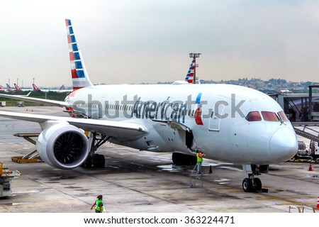 SAO PAULO, BRAZIL - NOVEMBER 25, 2015: American Airlines Boeing 787-8 Dreamliner in the Guarulhos International Airport. - stock photo