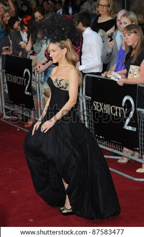 Sarah Jessica Parker attends the Sex and the City 2 UK premiere at the  Odeon Cinema in Leicester Square in London. May 27, 2010 Picture: Anne-Marie Michel / Featureflash