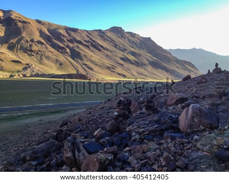 Sarchu camping tents at Leh - Manali Highway. Leh - Manali Road is a highway in northern India connecting Leh in Ladakh in Jammu and Kashmir state and Manali in Himachal Pradesh state. - stock photo