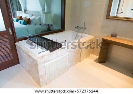 Satun, Thailand   November 1, 2014: Luxury Bathtub In Bathroom Of Akira  Resort
