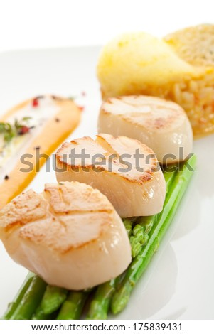 Scallop with Asparagus and Risotto