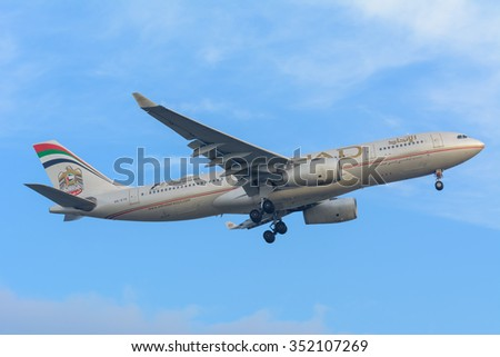 Schiphol, Noord-Holland/Netherlands- December 15-12-2015 -Plane from Etihad Airways A6-EYK Airbus A330-200 is preparing for landing at the airport.To land, Airspeed and the rate of descent are reduced - stock photo