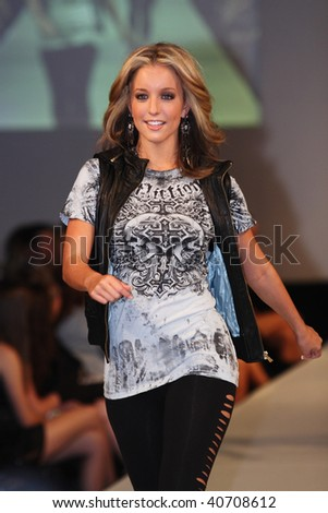 SCOTTSDALE, AZ - NOVEMBER 6:Models showcasing the designs of Eva Franco for the Dillard's show at the Scottsdale Fashion Week on November 6, 2009 in Scottsdale, Arizona.