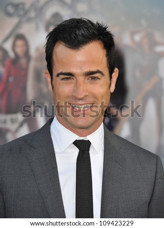 """Screenwriter Justin Theroux at the world premiere of his new movie """"Rock of Ages"""" at Grauman's Chinese Theatre, Hollywood. June 9, 2012  Los Angeles, CA Picture: Paul Smith / Featureflash - stock photo"""