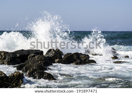 Sea wave splash