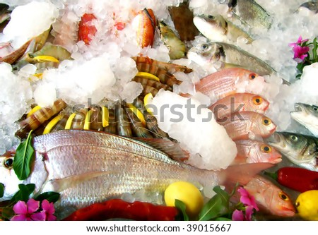 Seafood in restaurant over ice
