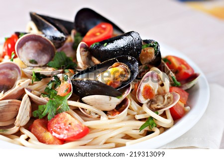 Seafood spaghetti - stock photo