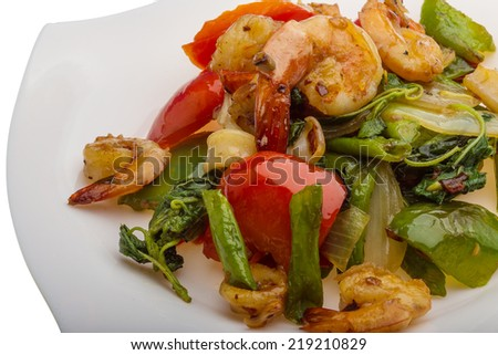 Seafood with vegetables - shrimps and calamari