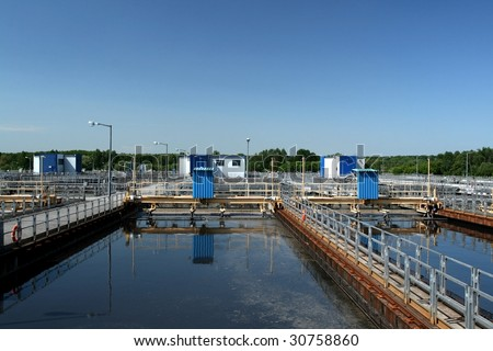 secondary settling tank in the wastewater treatment