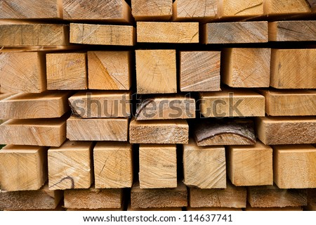 Selection of freshly sawn timber material (beam)