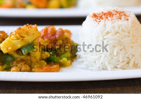 Selective focus image of an African cauliflower beans dish.