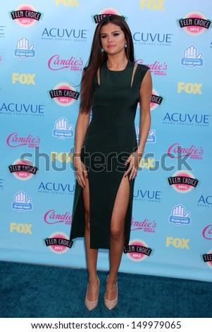 Selena Gomez at the 2013 Teen Choice Awards Arrivals, Gibson Amphitheatre, Universal City, CA 08-11-13 - stock photo