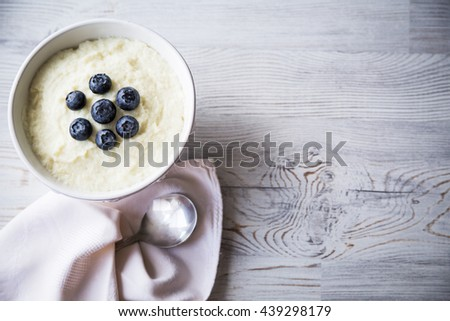 Semolina with blueberry