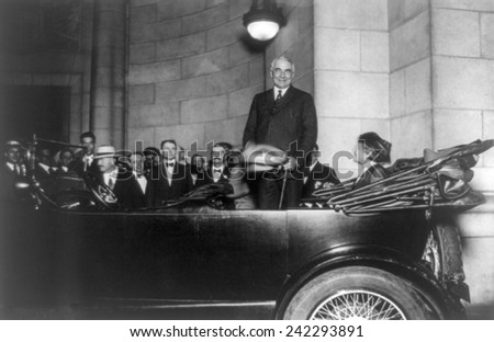 Senator Warren Harding, Republican candidate for President, arriving at Washington's Union Station on October 25, 1920. Harding won the election with 60% of the popular vote. - stock photo