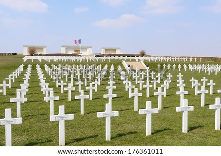 SERRE-LES-PUISIEUX, NORD-PAS-DE-CALAIS, FRANCE - MARCH 30: Serre-Hebuterne French Military Cemetery. The resting place of 834 French soldiers on March 30, 2013 in Arras, Nord-Pas-de-Calais, France - stock photo