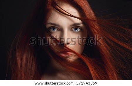 Foxy 3d Redhead Plays With Herself