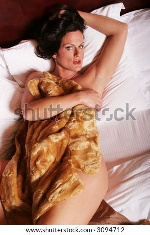 hriyada girl naked bathing click images