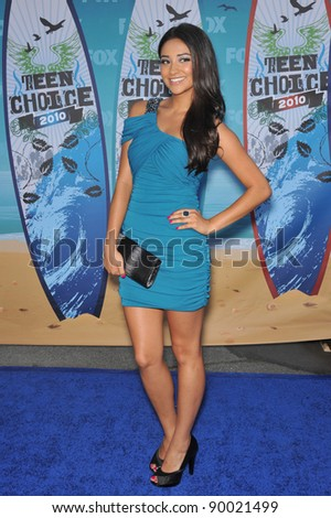 Shay Mitchell at the 2010 Teen Choice Awards at the Gibson Amphitheatre, Universal Studios, Hollywood. August 8, 2010  Los Angeles, CA Picture: Paul Smith / Featureflash
