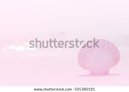 Shell on the beach,Decorated with vintage lighting,Beautiful light from gradient overlay screen