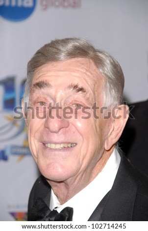 Shelley Berman  at the 2010 Night of 100 Stars Oscar Viewing Party, Beverly Hills Hotel, Beverly Hills, CA. 03-07-10