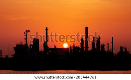 shillouette Oil Refinery, beside the Chao Phraya River, in the Bangchak area of Phra Khanong District, Bangkok, Thailand.