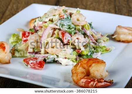 Shrimp salad with cherry tomatoes and cucumber