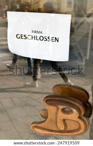 sign company closed symbol for crisis, bankruptcy, economic downturn - stock photo