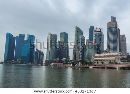 SINGAPORE, AUGUST 8 2015 : Singapore cityscape of the financial district and landmark in the morning, Singapore on August 8 2015