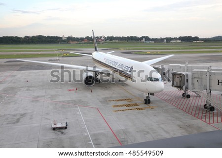 SINGAPORE -SEPTEMBER 17, 2016: Aiplane from Singapore Airlines (SQ) at the Singapore Changi Airport (SIN) on September 17, 2016
