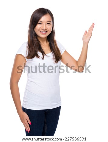 Singaporean woman with open hand palm