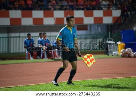 SISAKET THAILAND-MAY 3: line referee on soccer match during Thai Premier League between Sisaket FC and Chiang rai united at Sri Nakhon Lamduan Stadium on May 3,2015,Thailand - stock photo