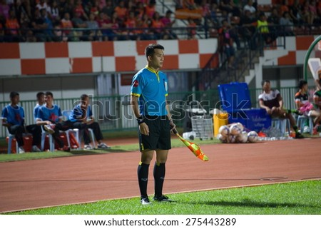 SISAKET THAILAND-MAY 3: line referee on soccer match during Thai Premier League between Sisaket FC and Chiang rai united at Sri Nakhon Lamduan Stadium on May 3,2015,Thailand - stock photo