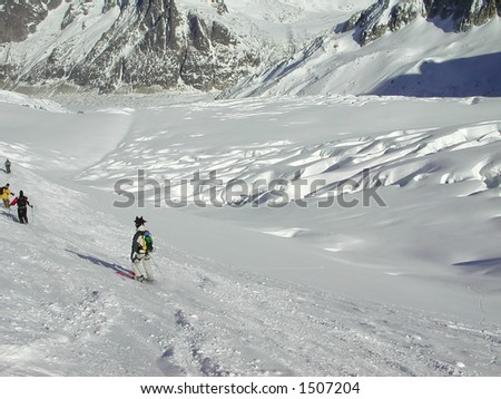 Skiers on the Vallee Blanche