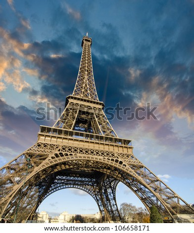 Sky Colors at Sunrise in Paris, with the Eiffel Tower - stock photo