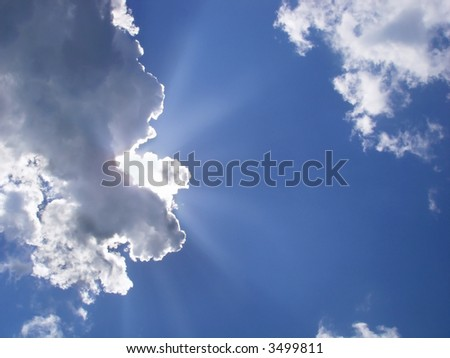 sky with sunny rays and cloud