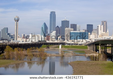 Skyline of downtown Dallas, Texas and the Trinity River