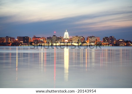 Skyline of Madison, Wisconsin with the Capitol building at dusk