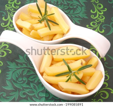 slices of fresh potatoes