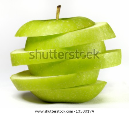 slices of green apple