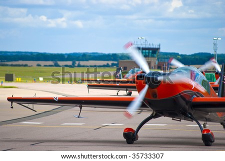 Small aerobatic propeller planes