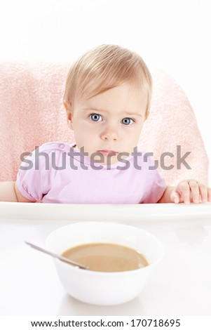 Small child does not want to eat children's porridge
