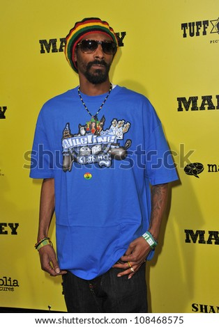 Snoop Dogg at the Los Angeles premiere of Marley at the Cinerama Dome, Hollywood. April 17, 2012  Los Angeles, CA Picture: Paul Smith / Featureflash - stock photo
