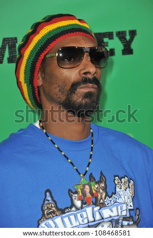 Snoop Dogg at the Los Angeles premiere of Marley at the Cinerama Dome, Hollywood. April 17, 2012  Los Angeles, CA Picture: Paul Smith / Featureflash