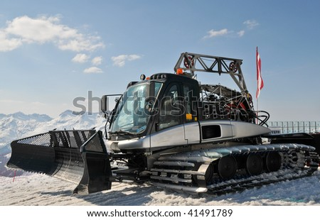 Snow preparation machine at 1500m hight in Lech