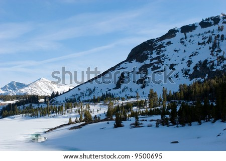 Snowy mountains in Yosemite National Park