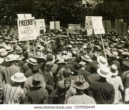 Socialists protest the death sentences of Nicola Sacco and Bartolomeo Vanzetti. Union Square, NYC. Ca. August 13, 1927. Signs read, 'Freedom for Sacco & Vanzetti', and 'We Stand United for Sacco and V - stock photo