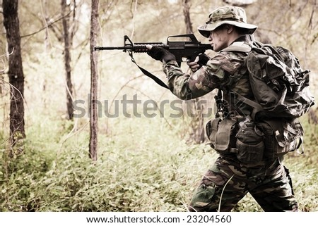 soldier at war in the jungle