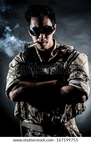 soldier man sunglasses Cigar style fashion